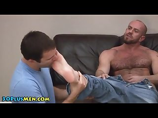 Feet sucking licking toes muscles hairy jerking kincade huge cock