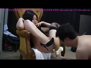 Chinese femdom Facesitting pussy licking feet piss spit
