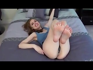 Candice feet jerk off instruction