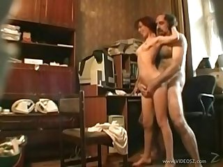 Mom catches daughter and dad on webcam