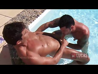 Muscle jocks fuck in the pool