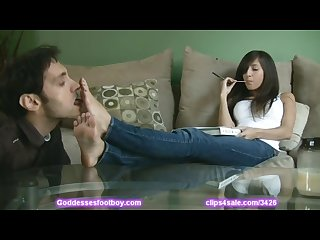 April o neil gets her feet worshipped