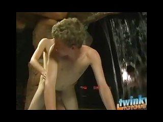 Hot twinkylicious sun lounger sex