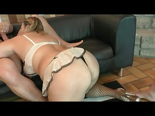Threesome with gorgeous blonde bbw milf