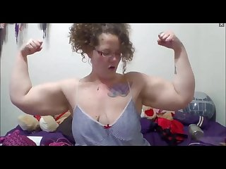 Hilarious bbw with biceps flexes on cam and talks about her muscles