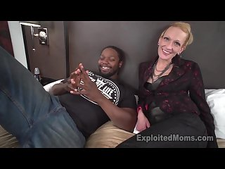 Skinny mom gets pounded by Mandingo