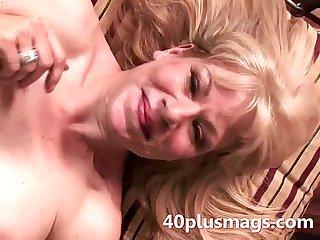 A interracial facial for blonde wife