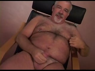 Jerk off from Bears daddies 2