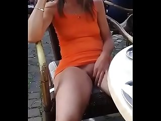 showing her white pussy in Mumbai in Indian public place