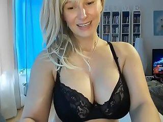 Milf blonde bigboobs dildo cum
