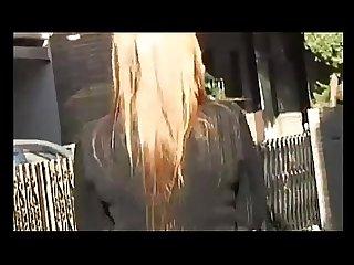 Bajando calzones en publico- elfa ricolina:http://adpop.me/BofkIVBY