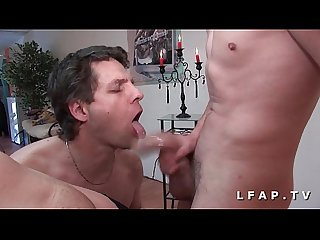 1 salope francaise baise et sodomise 2 mecs bi