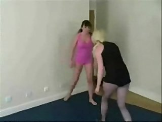 Russian catfight girlfight indoor wrestling sexfight 002
