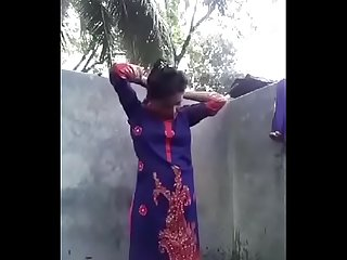 Desi girl posing nude for bf in bathroom