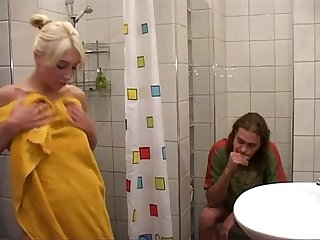 Foda gostosa depois do banho