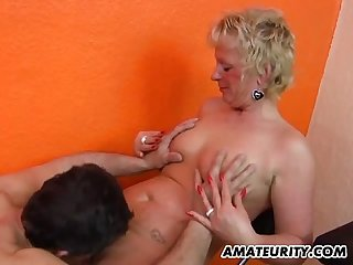 Amateur mom homemade action with her husband