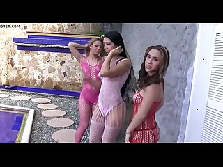 Prostitutas Pendejas Bailando en Casa de Jefe Narco - young hookers girls in Narco Boss House
