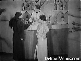 Authentic vintage porn 1930s ffm threesome