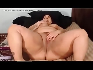JessicaPeaches fingers and spread fat pussy