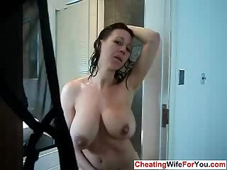 British bbw masturbates in the shower