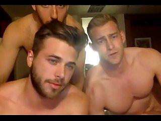 Tr S machos deliciosos brincando E se exibindo na cam