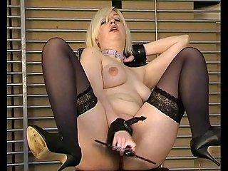 Kinky blonde amateur yanus tormented