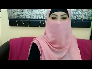 Real Arab hijab girl goes nude for money