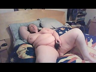 22 yr old bbw on bed having an orgasm of her life www bbwcamsnow com