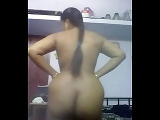 Big nd huge ass Desi Bhabhi homemade naked Selfie