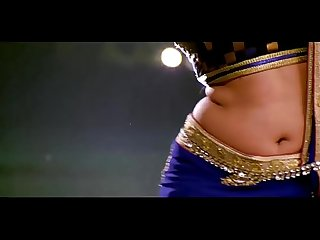 MILF KAJAL BIG JUICY NAVEL AND CURVY WAIST SHOW 4