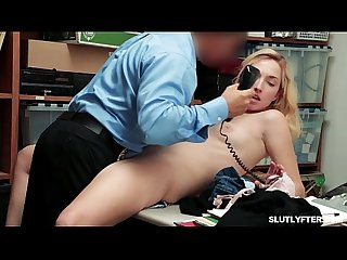 Brooke bliss pussy gets railed so deep on the desk