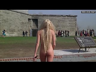 Daryl hannah naked swimming public topless splash 1984