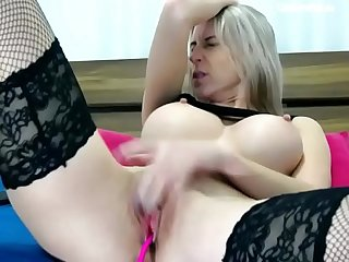 hot milf cant stop masturbating on cam