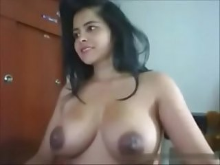Indian Desi cam girl with big tits - naughtyslutcam.com