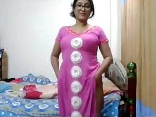 Pakistani girl web playing for fun