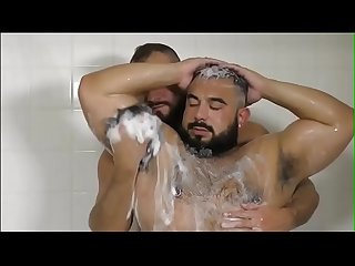 beefymuscle.com - BIG muscle bears in shower