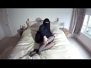 Arab Hot Wife - BadCamsGirl.com
