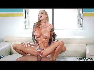 Spizoo sarah jessie oil up and get fucked by a big dick