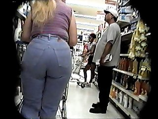 Candid-Booty - jeans and boots a little bit bcountry, long ponytail