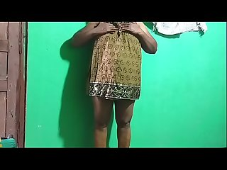 desi indian tamil telugu kannada malayalam hindi horny vanitha showing big boobs and shaved pussy..